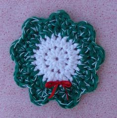 Whiskers & Wool: Christmas Wreath Coaster - Free Pattern