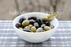 #Olives. Masline negre, masline verzi Olives, Food Pictures, Oatmeal, Fruit, Breakfast, The Oatmeal, Morning Coffee, The Fruit, Rolled Oats