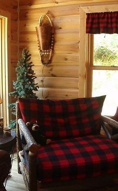 For the Home This would be cute for a cabin. Steve Austin , I bet you and Roxanne Austin could make Decor, House, Rustic Decor, Cabin Decor, Home Decor, Rustic Living, Plaid Decor, Cabin Style, Rustic House
