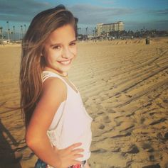 Hey guys I'm Mackenzie but you can call me Kenzie! I'm the youngest sister of Bailee, Paris, and Maddie! I'm ten and I'm on dance moms with my sis maddie! Dance Moms Mackenzie, Maddie And Mackenzie, Mackenzie Ziegler, Dance Moms Facts, Dance Moms Girls, Dance Moms Headshots, Mack Z, Maddie Zeigler, Dance Mums