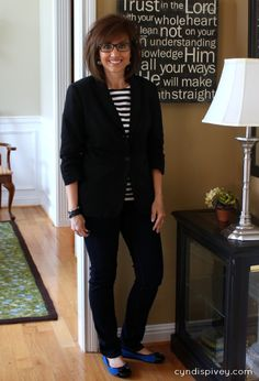 It's Wednesday and that means it's What I Wore-My Style. Today I'm sharing what I wore in Chicago. The weather was cold so I was glad I took my spring cab coat. Of course a winter coat would have felt better!