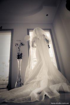 Свадебный фотограф в Киеве Татьяна Омельченко +38-067-386-02-46 #weddingphotography  #weddingreportage #weddingdress #bride #strobism #kievwedding #kievweddingphotographer