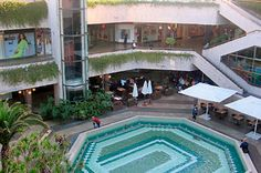 Gan Ha'ir opened in the late eighties and was considered the most elite shopping centre in Tel aviv.