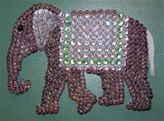 Bottle caps Elephant Bottle caps Elephant The post Bottle caps Elephant appeared first on Craft Ideas. Beer Cap Crafts, Beer Bottle Crafts, Bottle Cap Projects, Beer Cap Art, Beer Caps, Bottle Top Art, Recycled Crafts, Diy, Elephant Crafts