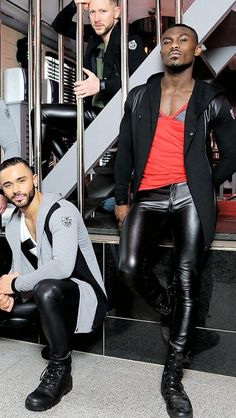 Leather Look Jeans, Skinny Leather Pants, Mens Leather Pants, Latex Men, Engineer Boots, Handsome Black Men, Men In Uniform, Leather Fashion, Illusion