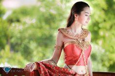 Som.....Cheng ^^ - N' Mew in Thai Traditional Dress @ Baan Thai