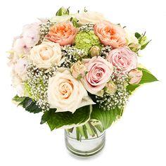 Romantiska blommor att skicka till den du håller av. Beställ blommor på nätet enkelt och smidigt.
