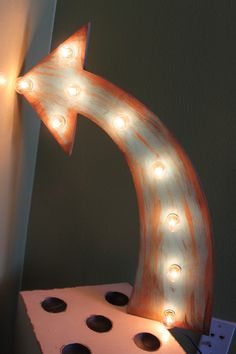 Lighted Arrow in Rustic Turquise