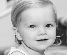 Baby portraits in Kiawah. Photography by Lea Austen