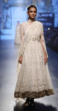 Tarun Tahiliani - Lakme Fashion Week - SR 17 - 20