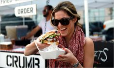 Smorgasburg, in Williamsburg, Brooklyn, for Food Lovers - The New York Times Brooklyn Restaurant, Brooklyn Nyc, Williamsburg Brooklyn, Nyc Bucket List, A New York Minute, Nyc With Kids, Ny Ny, Bons Plans, New York Travel