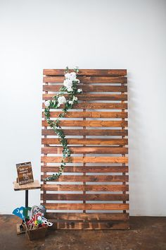 pallet board backdrop