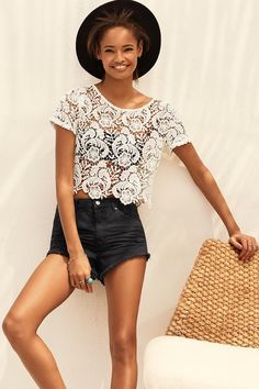 A recent lookbook from H&M Divided pairs bohemian style with 90s Miami vibes for a feature called, 'A New Remix'. Model Malaika Firth takes the spotlight in a combination of lace, eclectic prints and high-waisted shorts for the sun-filled photo shoot. Paired with a pork pie hat and sandals, the look is serving some major …