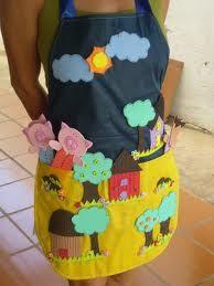 EL ARTE DE EDUCAR: DELANTAL PARA CONTAR CUENTOS Sewing For Kids, Diy For Kids, Cool Kids, Crafts For Kids, Infant Activities, Activities For Kids, Cute Aprons, Little Pigs, Kids Education