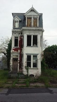 A gem I found in Harrisburg, PA. - Destroyed and Abandoned