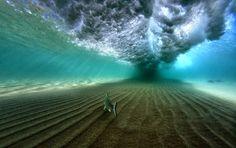 ¿Tormenta? No, sólo una pequeña ola Esta imagen ha sido tomada en la playa Coolum (Australia) por por Felix Lacroix.  El día que tomó la f...