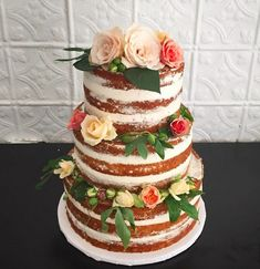 Naked Wedding Cakes: The Unexpected Trend Brides Love