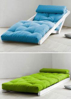 Cadeiras Dorminhoco acessíveis e otomanos - soluções de espaço pequenas Cadeiras & otomanos acessíveis Dormitório - soluções de espaço pequenas | Terapia de Apartamento