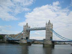 Europe Travel Tips - Sightseeing in London (London Tower, Big Ben, Parliament, Buckingham Palace)