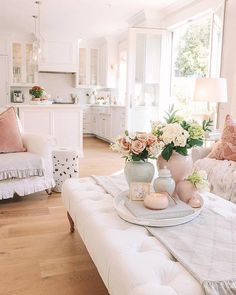 31 Lovely Shabby Chic Living Room Decor Ideas - With shabby chic an owner can have a frilly lamp covered in beads, and a sturdy bookshelf with paint chipped away, yet somehow it all manages to tie i. French Country Living Room, French Country Decorating, French Home Decor, French Cottage Decor, French Bedroom Decor, My French Country Home, French Country Bedrooms, Shabby Cottage, Country Chic
