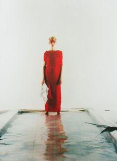 somethingvain:    comme des garçons s/s 1991, kirsten owen by craig mcdean for visionaire #2