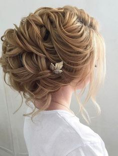 Best Ideas For Wedding Hairstyles : Featured Hairstyle:Elstile; Curly Wedding Hair, Bridal Hair Updo, Elegant Wedding Hair, Trendy Wedding, Unique Wedding Hairstyles, Diy Hairstyles, Updo Hairstyle, Hairstyle Wedding, Newest Hairstyles