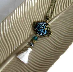 Collier sautoir rétro, boho, bronze, noir,bleu, kaki, blanc, cabochon en coton fleuri, pompon fait main : Collier par color-life-bijoux