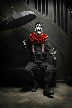 The Half-Light Carnival Creepy Circus, Creepy Clown, Circus Clown, Scary Clown Costume, Creepy Carnival, Tattoo Liebe, Steampunk Circus, Art Du Cirque, Circus Fashion