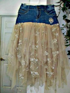Ruffled tulle and vintage lace jean skirt upcycled denim embellished beige tan rose vintage bohemian Renaissance Denim Couture Made to Order - DIY Clothes Sweater Ideen Denim Vintage, Rose Vintage, Upcycled Vintage, Denim And Lace, Artisanats Denim, Diy Lace Jeans, Bohemian Mode, Vintage Bohemian, French Bohemian