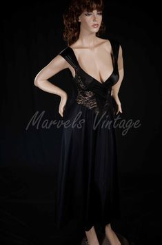 277000e4b5 Vintage Olga Nightgown Rare Style 92050 Beautiful Black Twist Top Lace  Lingerie Size Small Vintage Wear