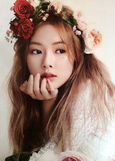 K-Pop Babe Pics – Photos of every single female singer in Korean Pop Music (K-Pop) Triple H, Cara Delevingne, Korean Beauty, Asian Beauty, Korean Makeup, Hyuna Photoshoot, Uee After School, Seungyeon Kara, Asian Woman