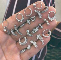 Evil Eye Drop Earrings with Eyelash Fringe - evil eye earrings / statement earrings / fringe earrings / dangle earrings / gifts for her - Fine Jewelry Ideas Ear Jewelry, Cute Jewelry, Body Jewelry, Jewelry Accessories, Jewellery, Fringe Earrings, Dangle Earrings, Piercings Bonitos, Cute Ear Piercings