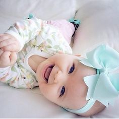 Super baby girl headbands and bows life 52 ideas Cute Little Baby, Baby Kind, Little Babies, Cute Babies, Pretty Baby, My Baby Girl, Beautiful Children, Beautiful Babies, Simply Beautiful