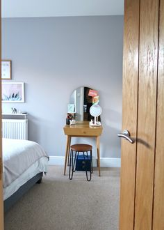 Perfect dressing table for small bedroom. {Gifted-Ad} some of the products mentioned were gifted by Beautify Guest Bedrooms, Master Bedroom, Grey Upholstered Bed, Bedroom Dressing Table, London House, Under The Table, Beautiful Posters, Interior Inspiration, Small Spaces
