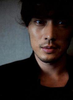 so ji sub Hot Korean Guys, Cute Korean, Asian Guys, Korean Men, So Ji Sub, Korean Photo, Handsome Asian Men, Master's Sun, Oh My Venus