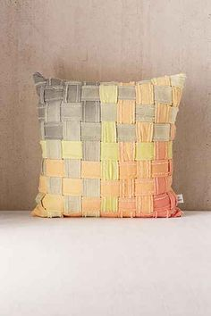 Shae Woven Ombre Throw Pillow - Urban Outfitters