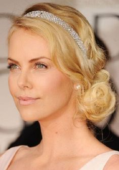 Pictures of Charlize Theron Beautiful Loose Bun Hairstyles For Wedding. Get hairstyles ideas and inspiration with Charlize Theron Beautiful Loose Bun Hairstyles For Wedding. Loose Bun Hairstyles, Wedding Bun Hairstyles, Headband Hairstyles, Hair Updo, Vintage Hairstyles, Bun Updo, Gatsby Hairstyles For Long Hair, Medium Hairstyles, Loose Updo