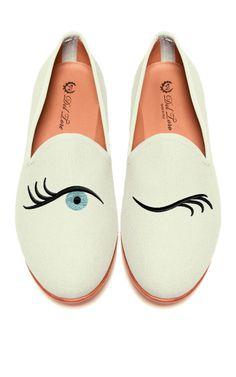 Del Toro winking eye slippers