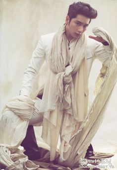 Hwang Chansung ♡ #2PM Wow, nice concept. Flowing drapes and robes.