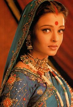 Bollywood Fashion 269090146469077660 - Aishwarya Rai Source by flanarabmanzarr Aishwarya Rai Photo, Actress Aishwarya Rai, Aishwarya Rai Bachchan, Bollywood Actress, Bollywood Stars, Bollywood Fashion, Saree Fashion, Most Beautiful Indian Actress, Most Beautiful Women