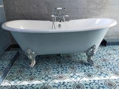 Natuurlijk kun je Portugese cementtegels ook in je badkamer leggen. FLOORZ heeft de grootste collectie van Europa.
