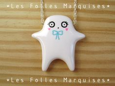 Little cutie pendant astonished. €35.00, via Etsy.