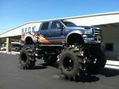 Lifted Ford | Mud Trucks