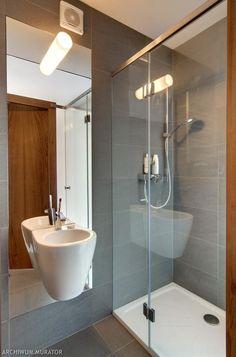 prysznic-bez-brodzika-w-malej-lazience_1539520.jpg (600×910)