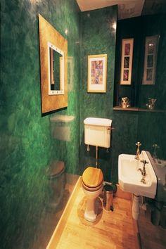 Green Venetian Plaster. Spatulata.