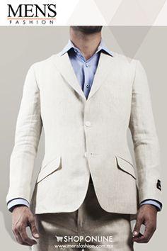 Para eventos tipo lounge o roof garden, opta por combinaciones de traje con cinturón y zapatos claros. ¡Se vale usarlo sin corbata! Cómpralo aquí: www.mensfashion.com.mx