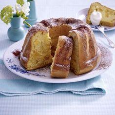 Biskuit-Gugelhupf mit Äpfeln Rezept