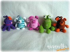 Animals and finger puppets from kindervajíček :: crochet caressing, free pattern; not in English Crochet Pig, Crochet Animals, Crochet Crafts, Crochet Toys, Free Crochet, Diy Quiet Books, Harry Potter Diy, Frog And Toad, Finger Puppets