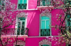 hot pink on aqua, i like a good contrast