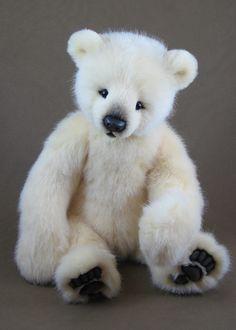 Tamil Eveslage artist bear
